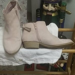 A pair of justice boots